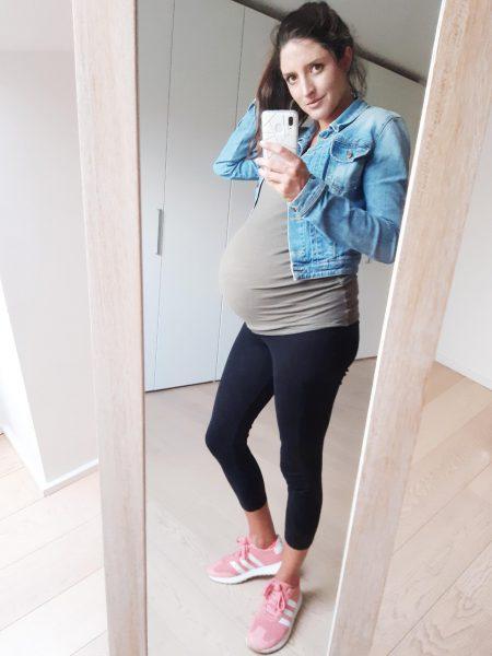 Zwangerschapsoutfit sportief