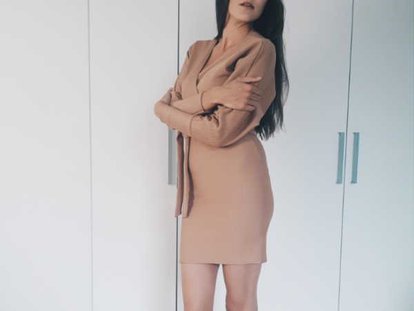 Lichtbruin jurkje Femme Luxe